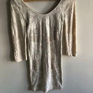 Bebe body con long sleeve dress
